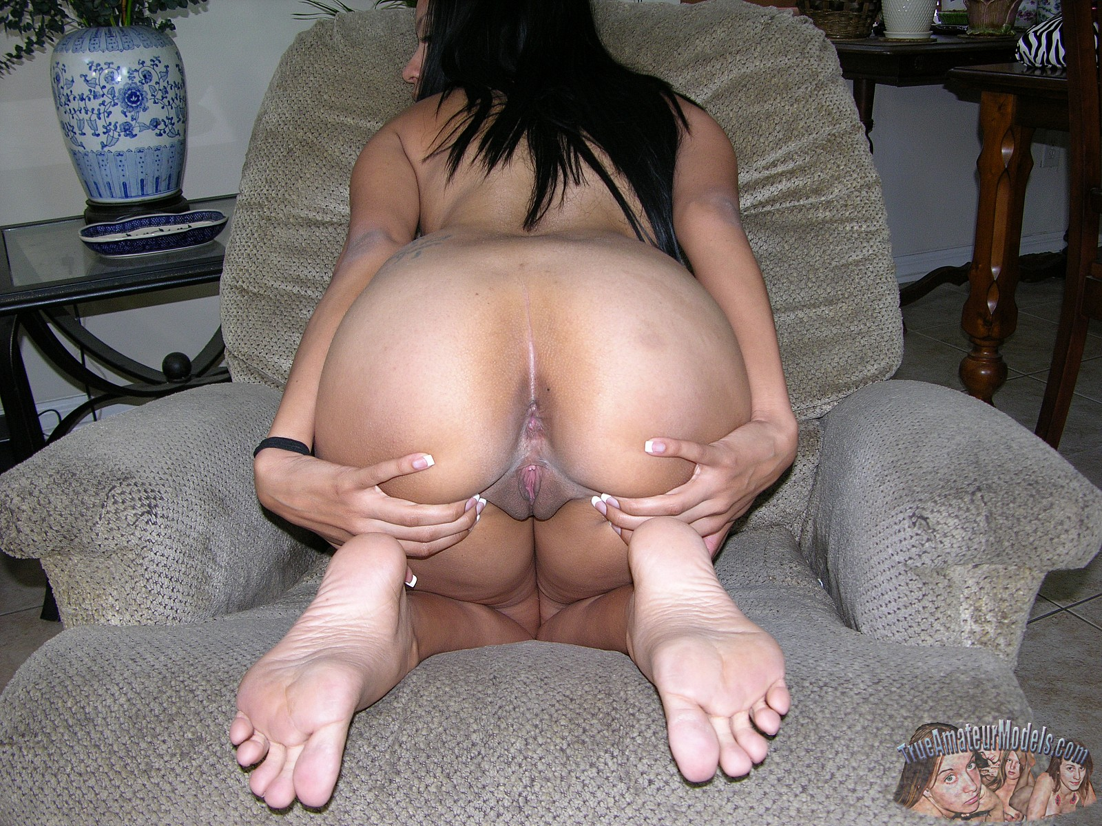 Mature women and young boy porno